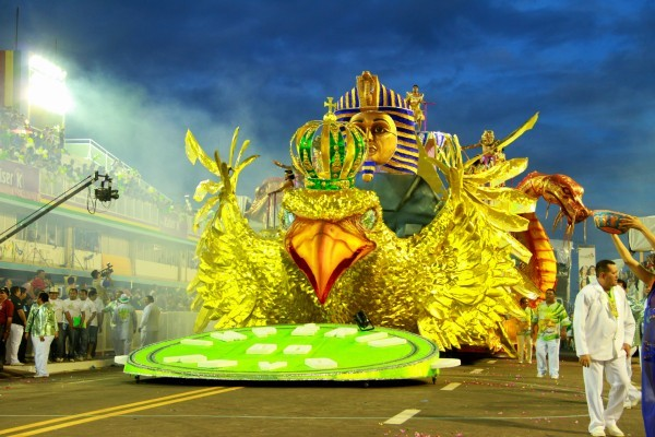 Império do Povo no desfile de 2012 no sambódromo (Foto: Arquivo/Império do Povo)