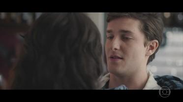 Ricardo propõe aventura romântica a Angélica