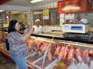 Professora Magda Maria Melo Falcão é assídua consumidora de carne bovina (Foto: Anderson Viegas/Do G1 MS)