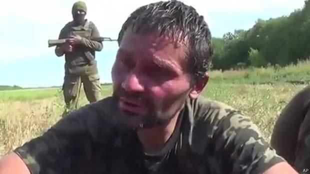 Soldado ucraniano capturado (Foto: AP/ BBC)