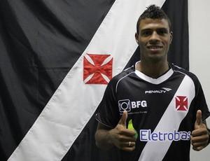 Auremir nova contratação do Vasco (Foto: Guilherme Pessoa / Vasco.com.br)