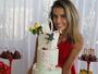 Deborah Secco comemora nove meses da filha Maria Flor