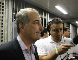 giovanni luigi presidente vestiário engenhão inter fluminense libertadores (Foto: Diego Guichard/Globoesporte.com)