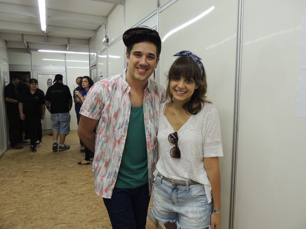 Maria Luiza encontrou Rogério Flausino nesta sexta-feira (Foto: Mariana Ávila/G1)