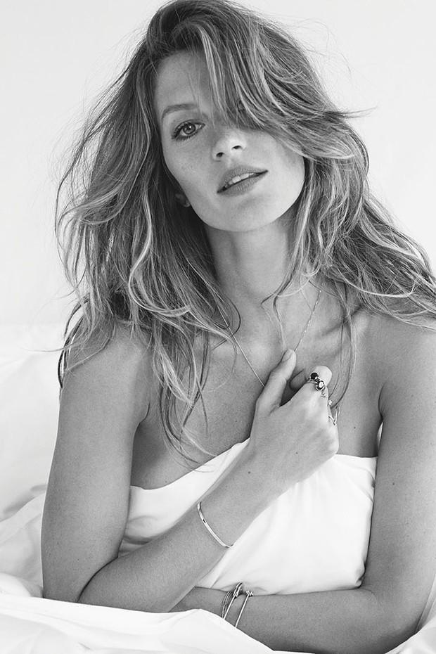 Saiba o que fazer antes de dormir para acordar com o cabelo perfeito pela manhã (Foto: Giampaolo Sgura/ Arquivo Vogue)