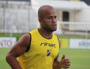 Anderson Pedra, volante do ABC (Foto: Assessoria de Comunicação/ABC FC)