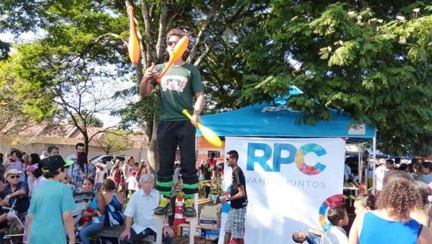 Para a criançada tudo parecia um parque de diversões, cheio de brincadeiras, palhaços, esporte e várias atrações especiais. (Foto: Divulgação/RPC)