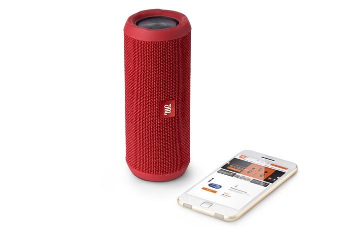 Caixa de som pode ser usada deitada ou em pé (Divulgação/JBL)