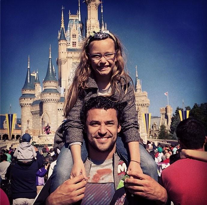 Fred fluminense com a filha Disney (Foto: Reprodução / Instagram)