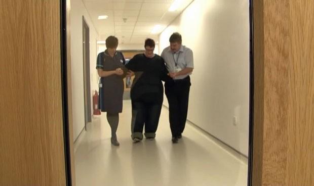 Objetivo é ajudar funcionários a tratar melhor os pacientes obesos (Foto: Reprodução/BBC)