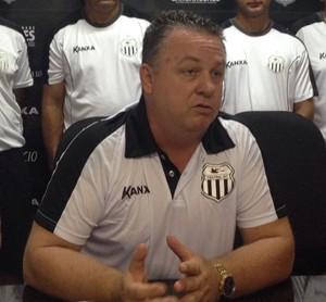 Álvaro Gaia, técnico do Central (Foto: Mavian Barbosa / GloboEsporte.com)