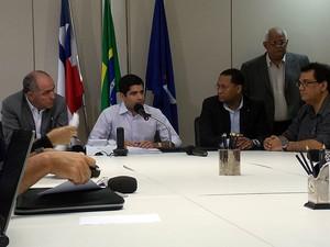 ACM Neto em coletiva sobre bilhete único em Salvador, Bahia (Foto: Lílian Marques/ G1)