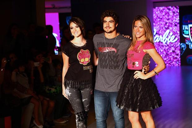 Giovanna Lancelotti, Caio Castro e Giovanna Ewbank (Foto: Iwi Onodera / EGO)