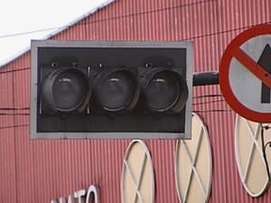 Semáforos ficaram desligados boa parte da manhã  (Foto: reprodução/TV Tem)