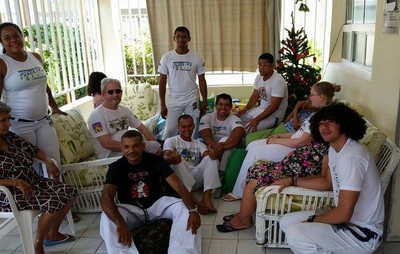As fraldas foram doadas para a Casa Geriátrica de Petrolina (Foto: Catarina Miranda)