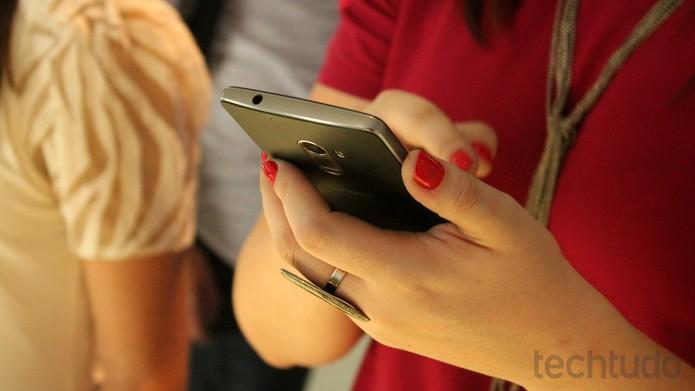 Vibe A7010: câmera principal de 13 MP em celular com preço inicial de R$ 1.299 (Foto: Leonardo Avila/TechTudo)