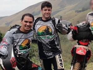 Thomaz Alckmin fazia trilhas de motocross na Serra da Mantiqueira (Foto: Arquivo Pessoal/ Fernando Cozzi)