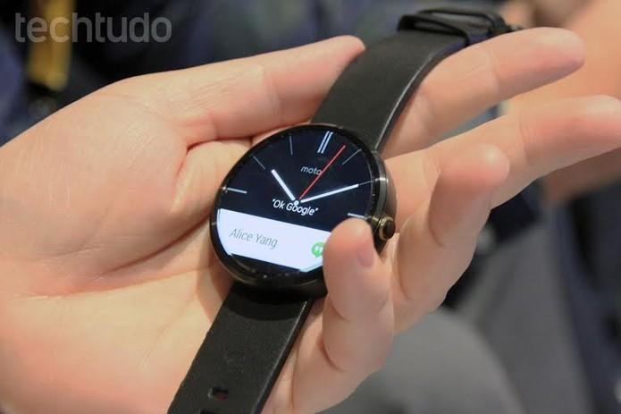 Moto 360 é equipado com o Android Wear e chegou ao Brasil por R$ 899 (Foto: Isadora Díaz/TechTudo)
