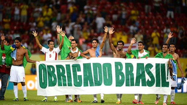 Taiti faixa agradecimento Brasil jogo Uruguai (Foto: Getty Images)