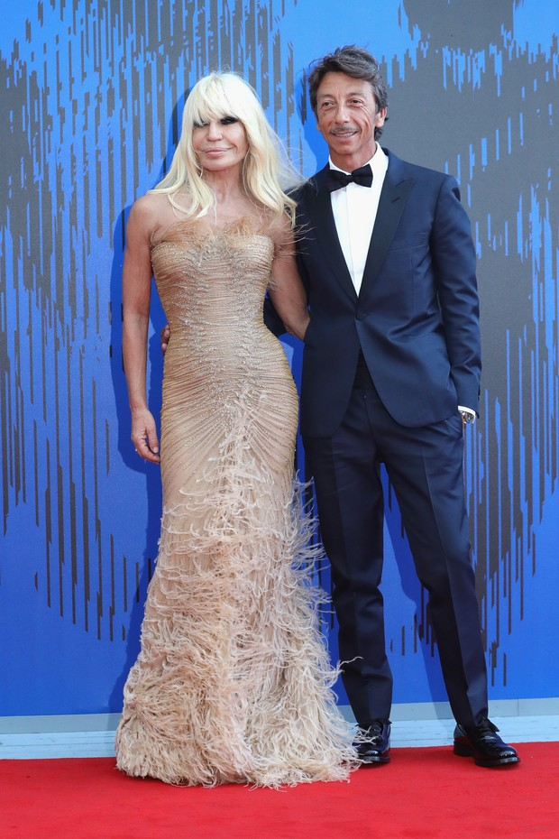 Donatella Versace e Pierpaolo Piccioli (Foto: Getty Images)