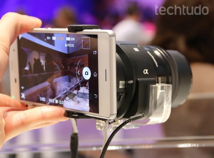Nova lente intercambiável oferece mais zoom e definição que os modelos anteriores (Foto: Fabrício Vitorino/TechTudo)