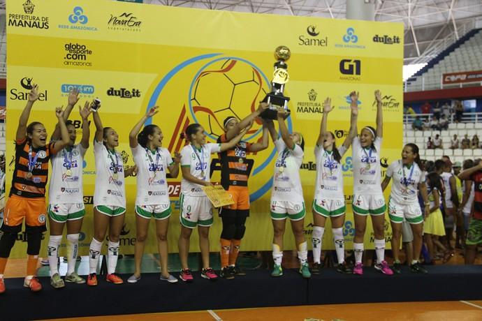Jogadoras do Hulk da Amazônia foram campeãs da Copa Rede Amazônica de futsal 2017 (Foto: Patrick Marques)
