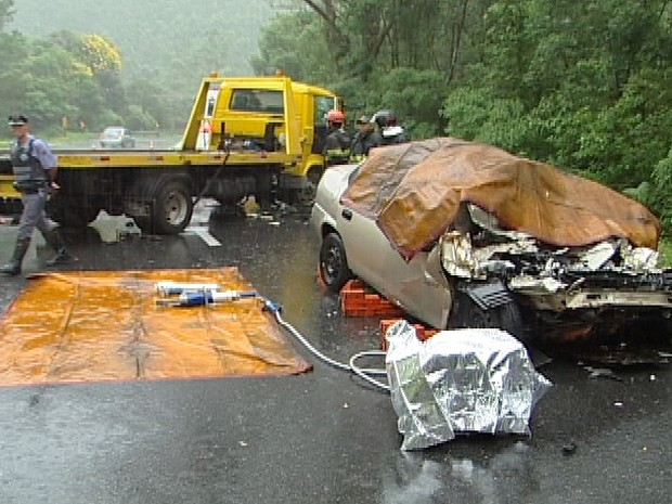 acidente mogi bertioga mogi das cruzes (Foto: Reprodução/TV Diário)