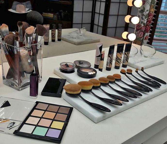 'É de Casa' mostra novos formatos de pincéis para maquiagem (Foto: Larissa Moggi / Gshow)
