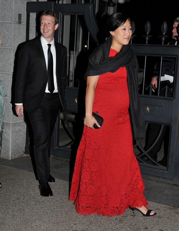 Mark Zuckerberg e a mulher Priscilla Chan (Foto: AKM)