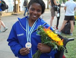 Tamara Oliveira conquistoua primeira medalha brasileira no Campeonato Mundial de Canoagem Velocidade e Paracanoagem 2013 (Foto: Divulgação)