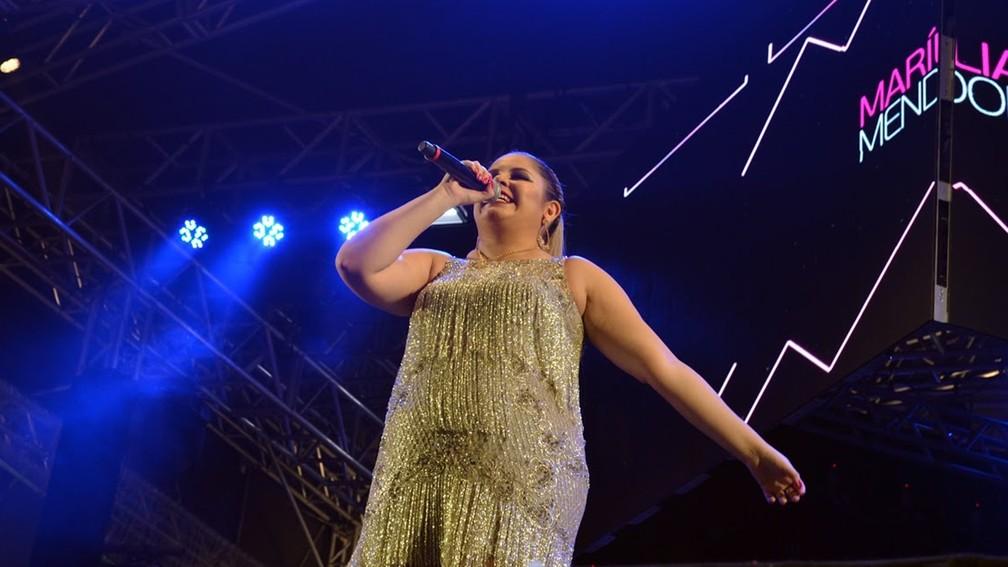 Marília Mendonça cantou pela primeira vez no Parque do Povo durante o São João 2017 em Campina Grande (Foto: Kamylla Lima/G1)