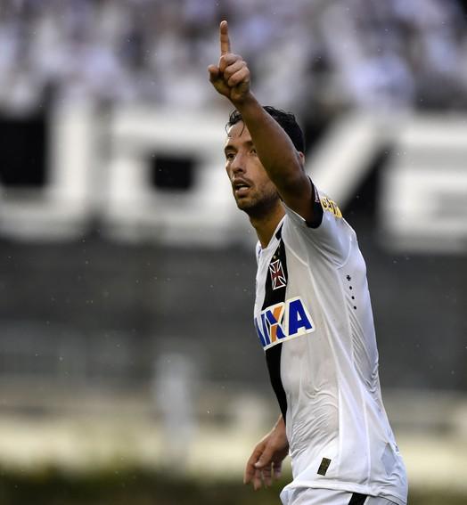 Nenê(m) a pau (André Durão / GloboEsporte.com)