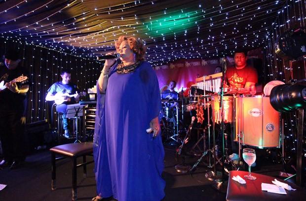 Alcione faz show em Nova York (Foto:  LuzBet Productions/ Ayres Assessoria)