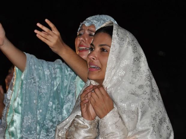 Gyselle Soares se apresenta na Paixão de Cristo (Foto: Edmar Caetano/Divulgação)