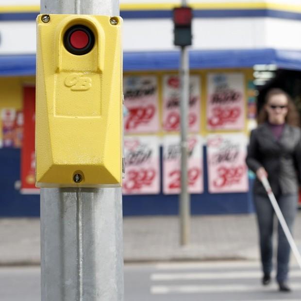 Semáforo para cegos em São Paulo (Foto: Reprodução/Facebook)