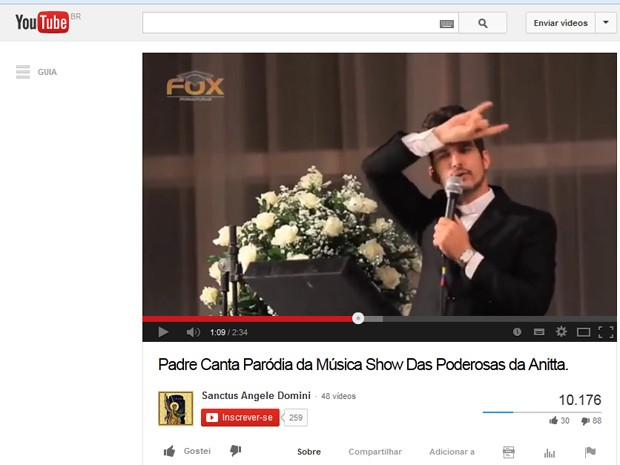 Padre fez paródia de música de Anitta. (Foto: Reprodução / Youtube)