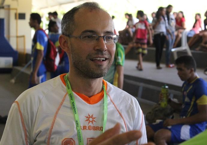 Giuliano Ramos: técnico do Caic Balduíno (Foto: Abdias Bideh / GloboEsporte.com)
