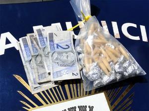 Jovem de 16 anos é detido com 35 porções de maconha e 26 pedras de crack em Campinas (Foto: Guarda Municipal)