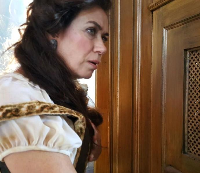Virgínia tem conversa comprometedora com Padre Vizeu (Foto: Raul Gama/TV Globo)