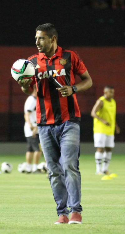 Diego Souza Ilha do Retiro Sport (Foto: Aldo Carneiro / Pernambuco Press)