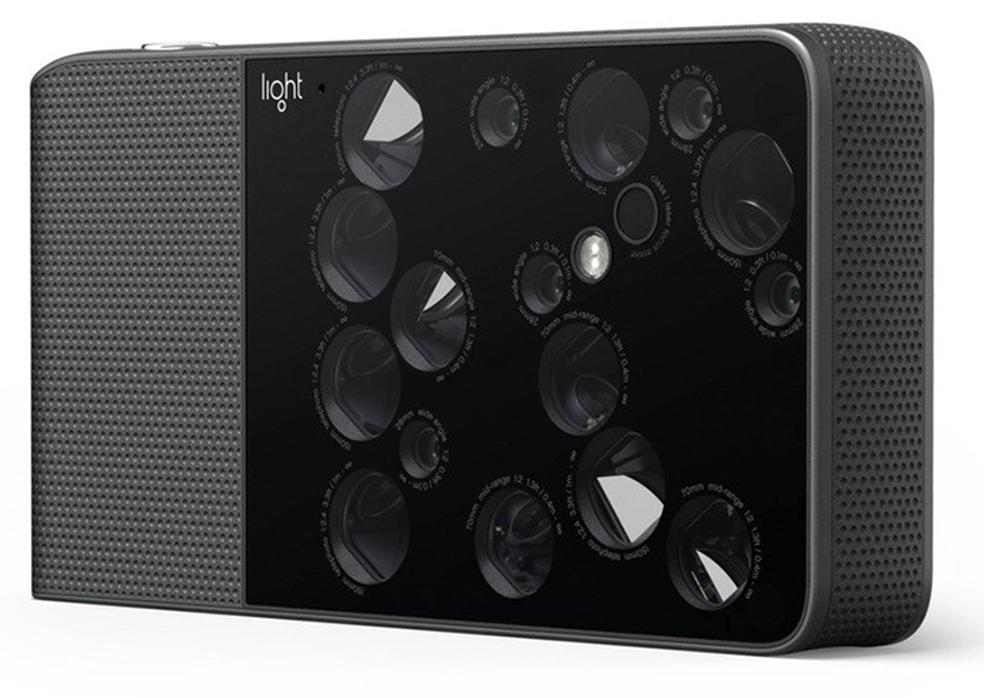 A câmera de aspecto bizarro foi um grande sucesso no Kickstarter em 2015 com US$ 30 milhões arrecadados (Foto: Divulgação/Light)