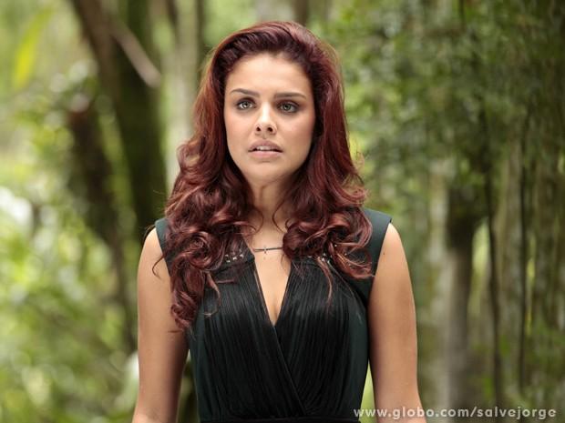 Rosângela leva um susto ao ver Lívia com Wanda e tem certeza que ela é a chefe (Foto: Salve Jorge/TV Globo)