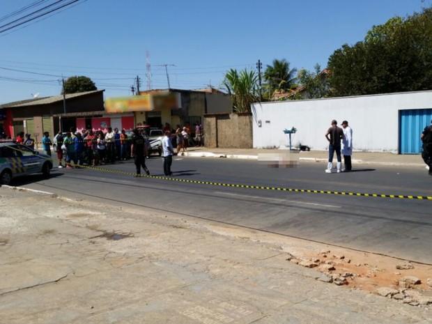 bd6764748e Jovem foi morto a tiros quando caminhava por avenida