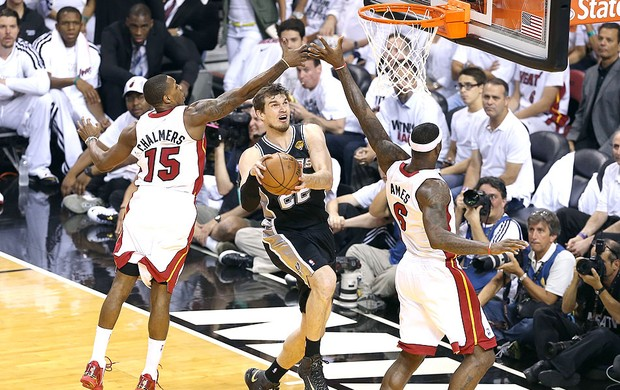 Tiago Splitter final NBA basquete Miami San Antonio (Foto  Getty Images) 97840a732686f
