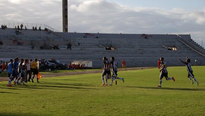 Treze x Serrano, Amigão (Foto: Silas Batista / GloboEsporte.com)