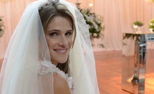 Personagem de Ingrid Guimarães é abandonada no altar (Foto: TV Globo/Zé Paulo Cardeal)