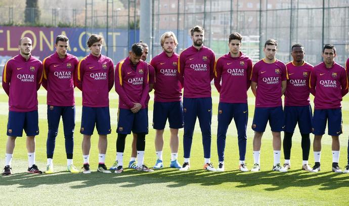 Barcelona treino homenagem Cruyff (Foto: Reprodução/Twitter)