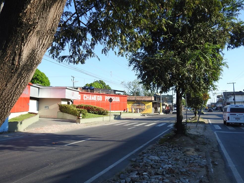 Atropelamento ocorreu em frente a motel na Zona Leste de Manaus (Foto: Ive Rylo/G1 AM)