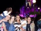 Flávia Sampaio leva filho caçula de Eike Batista à Disney