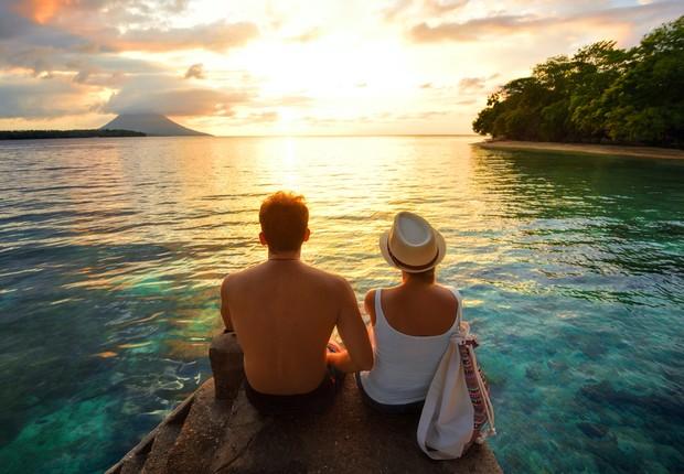 Férias - descanso - rede - folga - relaxar - descansar - praia - casal - felicidade - paz (Foto: Thinkstock)